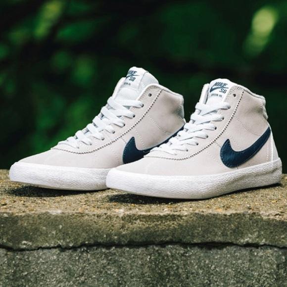 3efd22090a51fb Nike SB bruin HI sneakers